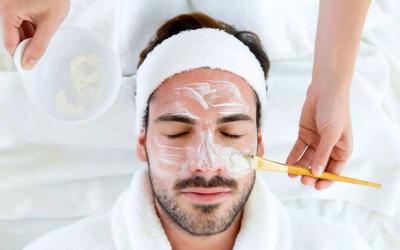 Los hombres también cuidan de su piel