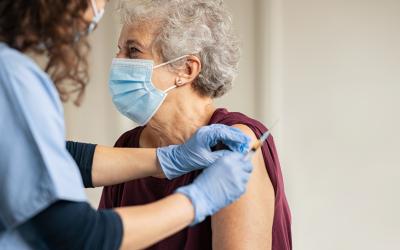 ¿Tiene algún efecto secundario la vacuna si padezco diabetes?